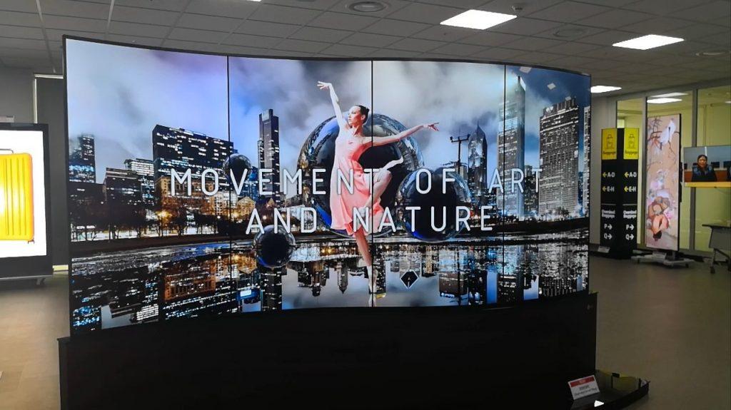 écran de télé OLED flexible