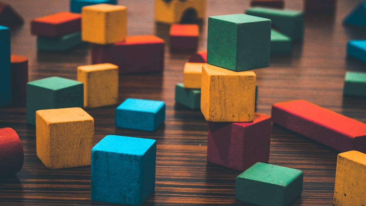Montessori : apprendre à coder à un enfant sans écran