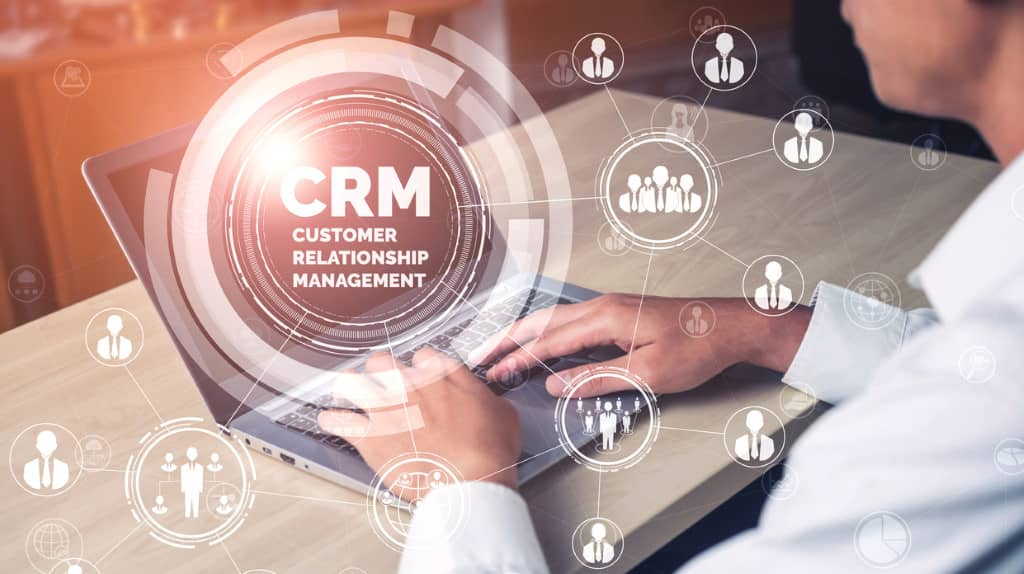 spécificité CRM implémentation business (customer relationship management)